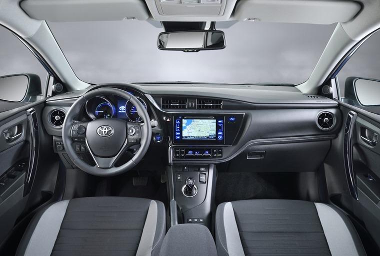 Toyota Auris Facelift 2016 interior