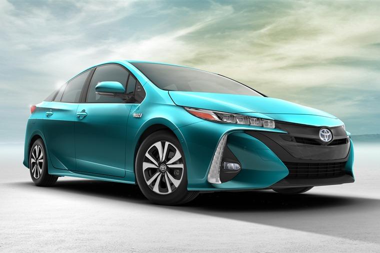 Toyota Prius Prime 2017 Green Exterior Front