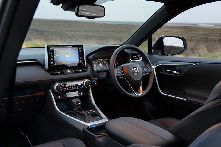 Toyota RAV4 2019 interior 2