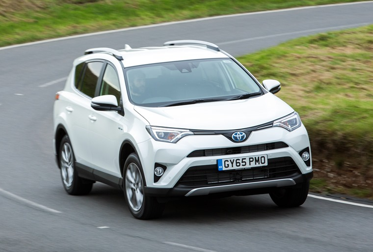 Toyota Rav4 Hybrid 2016 White Front Dynamic