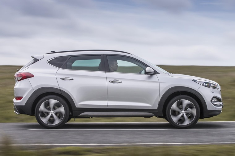 The Hyundai Tucson Gets A More Ful 1 7 Litre Engine And Sequential Semi