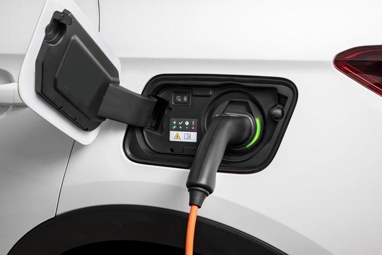 Vauxhall Grandland X charging