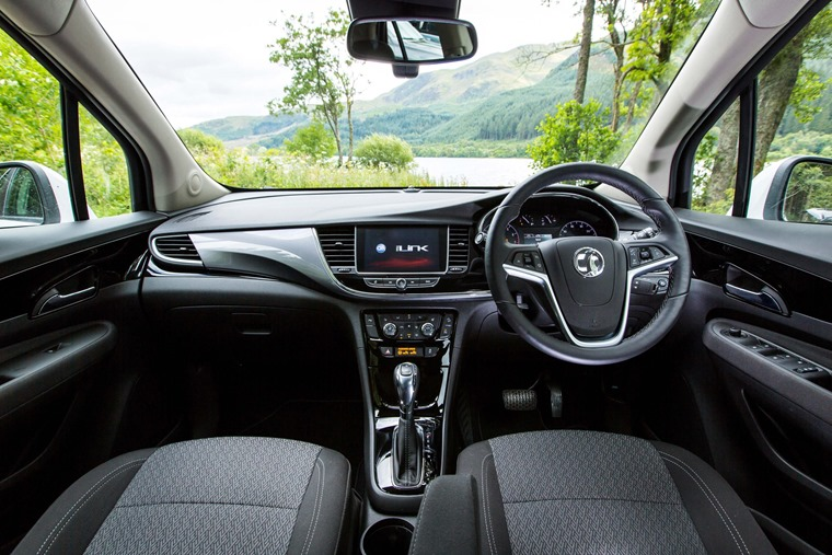 The dashboard is clean and minimal – a drastic improvement on the outgoing Mokka