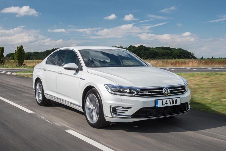 Volkswagen-Passat-GTE-front