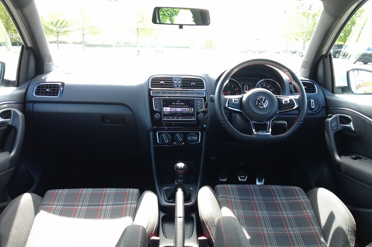 Review: Volkswagen Polo GTI 2015 | Leasing.com