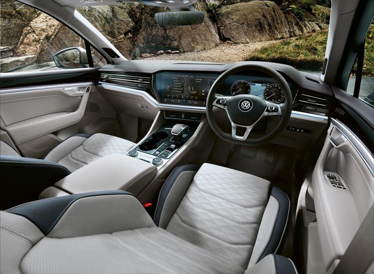 Volkswagen Touareg 2018 (2)