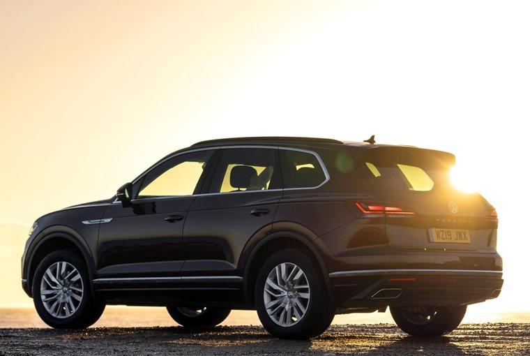 Volkswagen Touareg gains 340 PS petrol V6 4