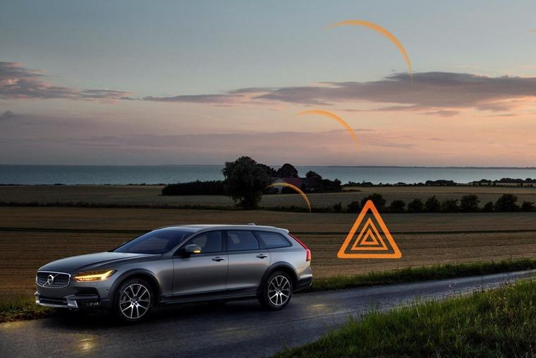 Volvo hazard alert