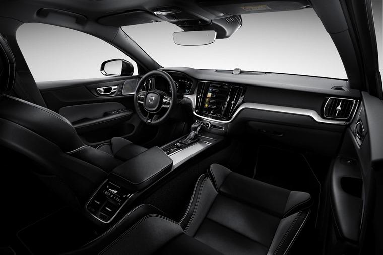 Volvo S60 2019 interior 2