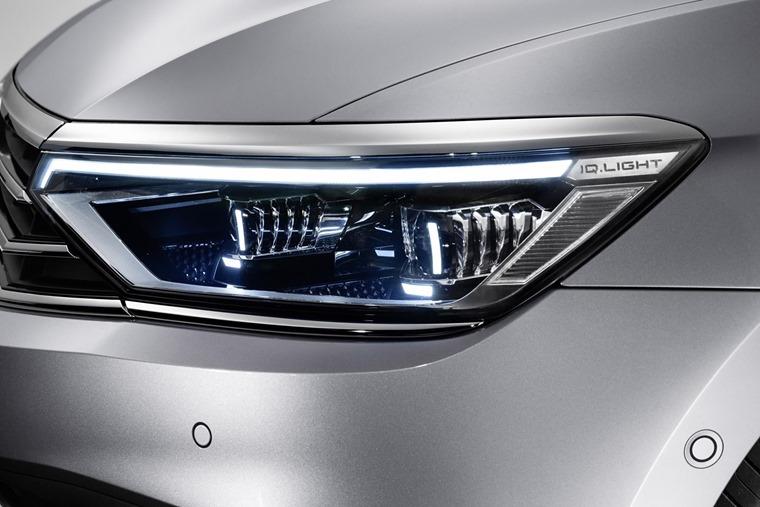 VW Passat 2019 update headlights LED