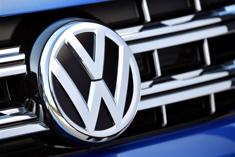 Volkswagen becomes world's biggest carmaker
