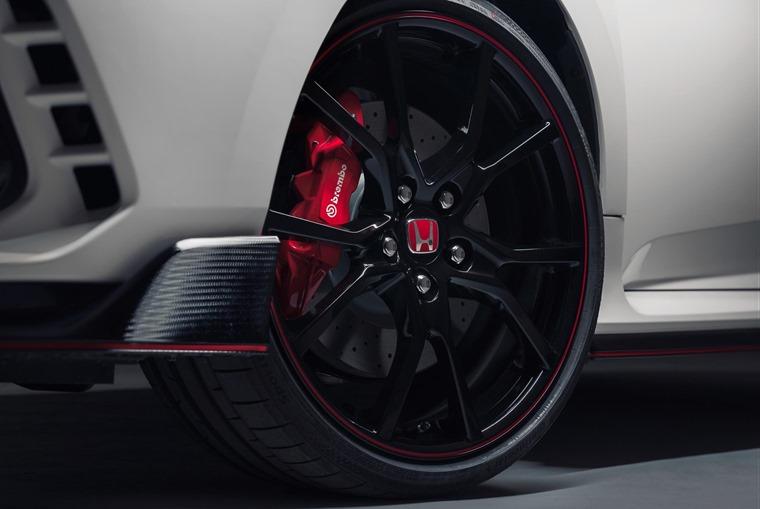 Type R Brembo brakes alloy