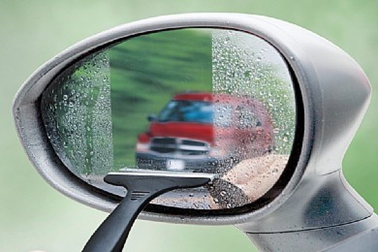Wing mirror wiper